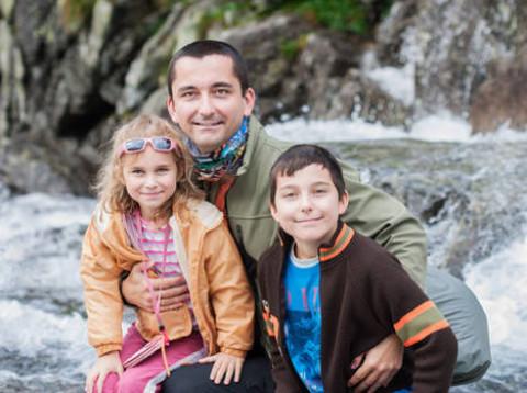 Rodina je pro české táty priorita. Měsíčně za ni vydají do 30000 korun, záložní plán pro výpadek příjmu však nemají