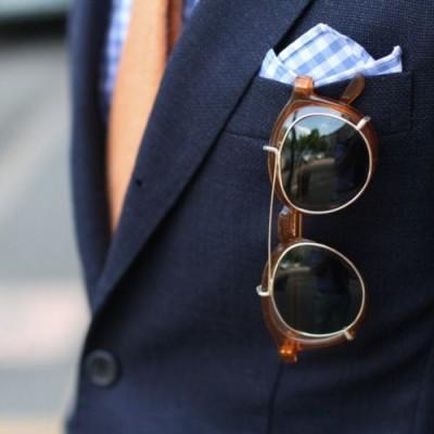 brýle a sako
