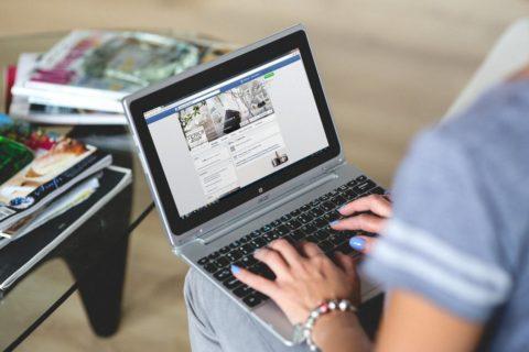 Experiment suzavíráním POV na facebooku: většinu klientů tvořily ženy