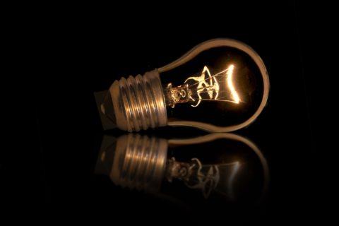 Připravte se na změny cen energií, nejvíce budou šetřit ti, kteří změní dodavatele