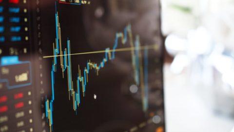 Obchodní válka, italská nejistota alevné dluhopisy