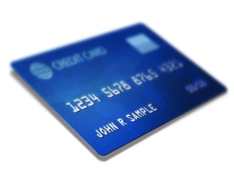 Ženy platí kreditní kartou častěji, muži utratí víc