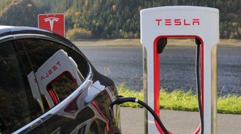 Tesla, Tesla, Tesla…