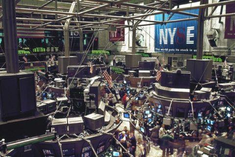 Podílové listy, akcie, dluhopisy: na co nezapomenout přijejich prodeji?