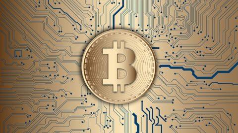 Bitcoin překonal hranici 11 tisíc dolarů za kus. Co za tím stojí?
