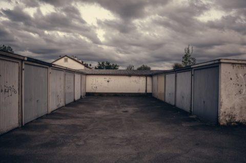 Staré garáže jsou nyní lukrativním zbožím