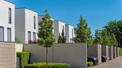 Sazby hypoték se obloukem vracejí ke dvěma procentům