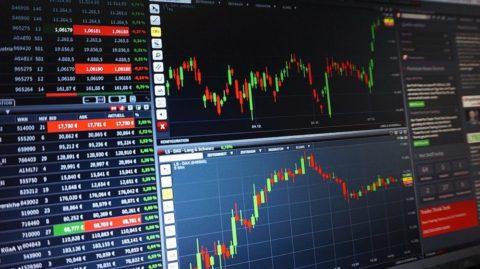 Proč se říká, že očekávaný výnos akcií je 10% p.a.