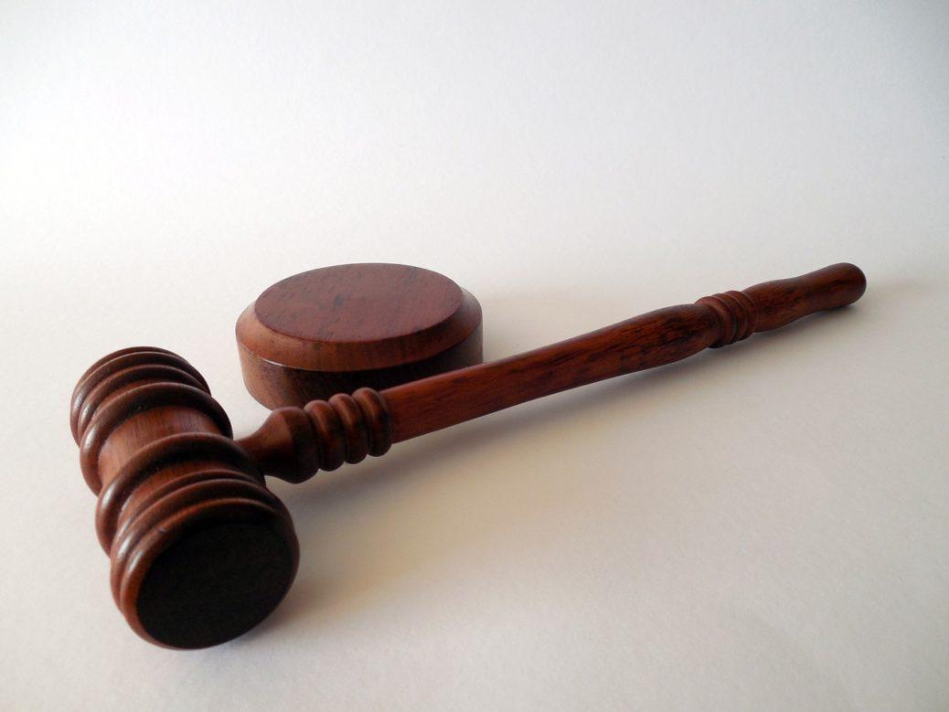 kladivo spravedlnost