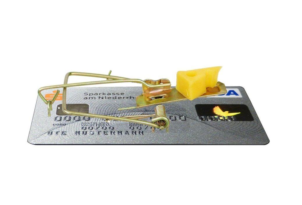 Kreditní karta - pastička na myši - sýr - lákavé investiční příležitosti