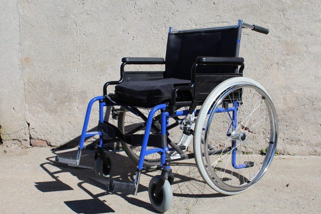 Invalidní vozík - invalidita - životní pojištění
