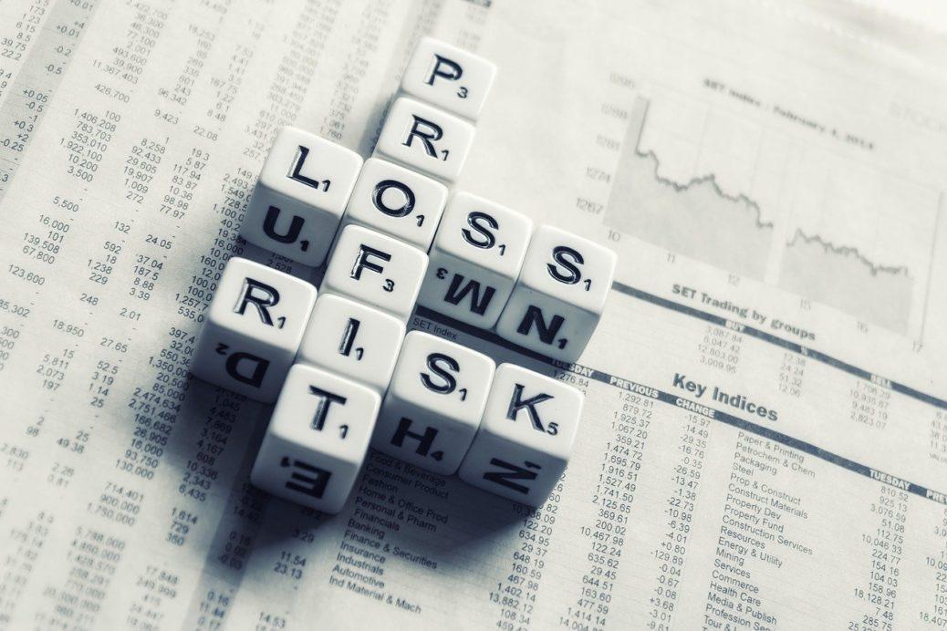 Riziko - ztráta - zisk - investice - investiční certifikáty