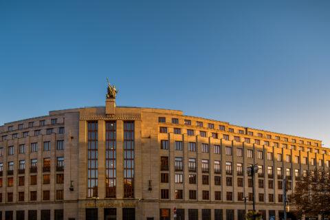 ČNB rozdává statisícové sankce. Vyfasovalo ji IPC iTesla