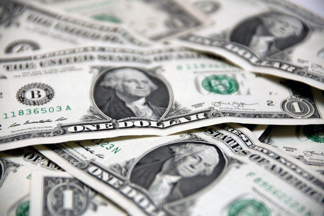 Inflační rébus - peníze - bankovky - USD - americké dolary