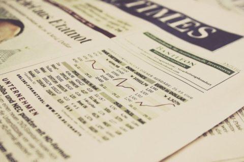 I přes loňské propady zvítězili investoři do akcií. Co jim letos dělá vrásky?