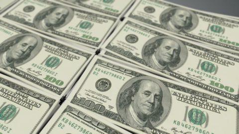 Kvantitativní uvolňování vyhnalo loni finanční trhy na historické maximum