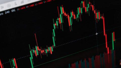 Akcie obřích technologických společností zatím vbřeznu silně ztrácejí