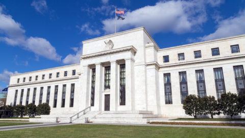 Klíčové centrální banky tisknou peníze jako ozávod