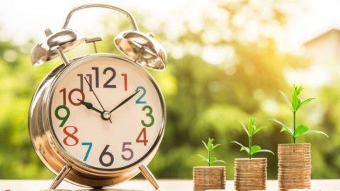 Češi drží vbankách avhotovosti zhruba 45% finančních prostředků