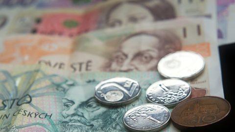 Inflace neukrajuje jen zúspor, ovlivňuje ipojištění nebo dluhy
